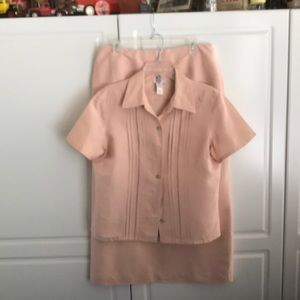 LIZ CLAIRBORNE TWO PIECE SHIRT AND TOP